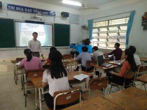 Thầy Trịnh Thế Hậu - PHT nhà trường phát biểu trước buổi sinh hoạt chuyên đề